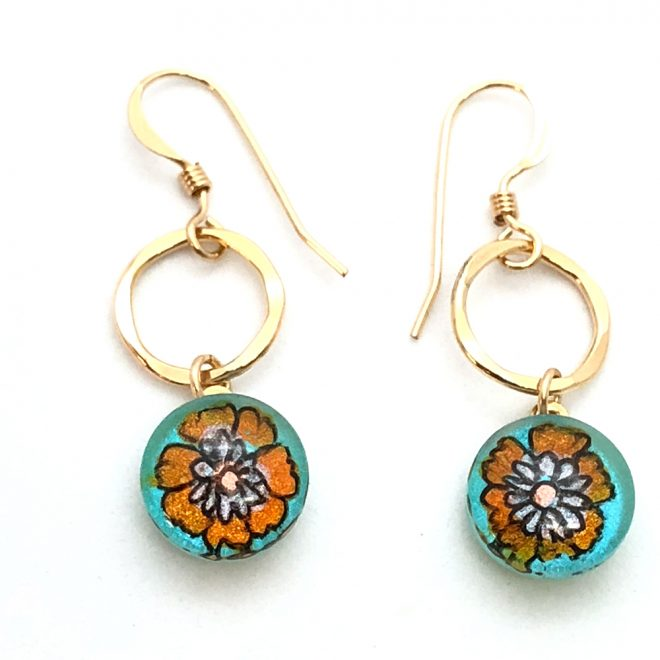 Handpainted-Flower-Pendant-on-14k-Goldfilled-Hammered-Link-earrings