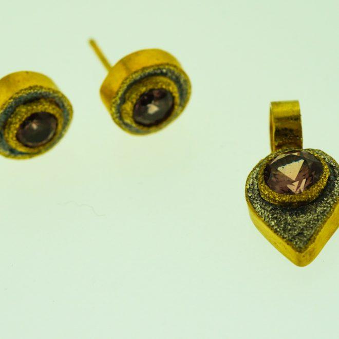 gold-silver-malaya-garnet